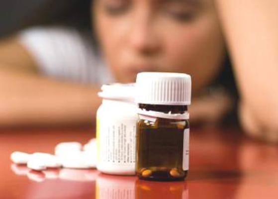 Dùng thuốc bổ thường xuyên có hại không